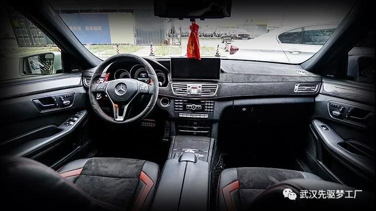 汽车内饰改装 奔驰E(W212)碳纤维+alcantara内饰升级